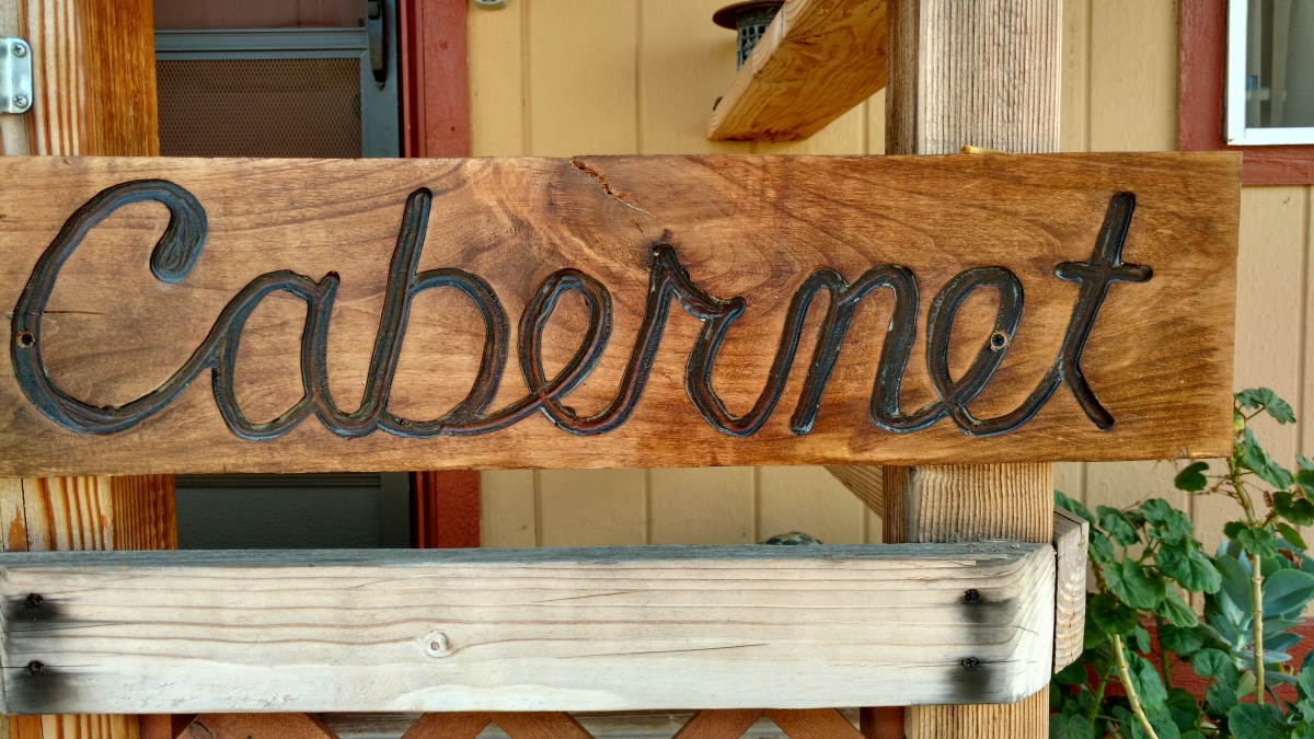 Cabernet sign